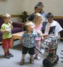 uBOT-5: робот-помощник для пожилых людей