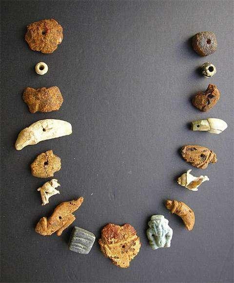 Ожерелье, найденное в некрополе