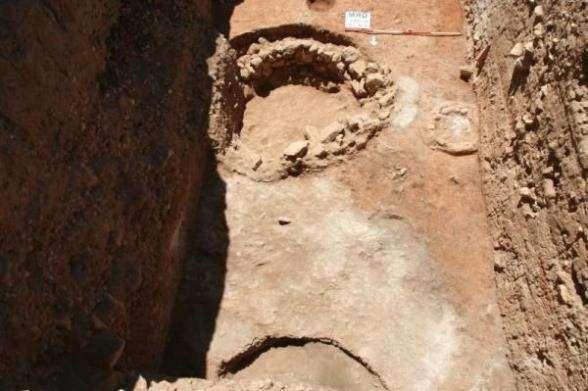 Остатки каменной башни в Сирии